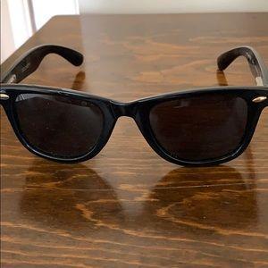 Dockers polarized wayfarer sunglasses
